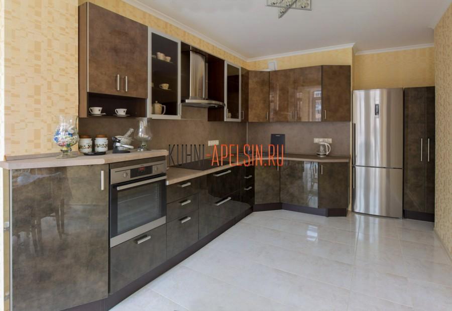 Кухня с фасадами Alvic Luxe от фабрики Апельсин