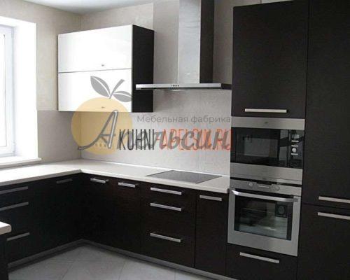 Большая кухня 25